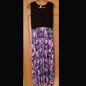 Black and Floral Sleeveless Maxi Dress